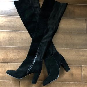 NEW❗️Vince Camuto thigh high suede boots